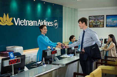 Vinh danh ban sac Viet, Vietnam Airlines duoc trao 'Oscar du lich' - Anh 2
