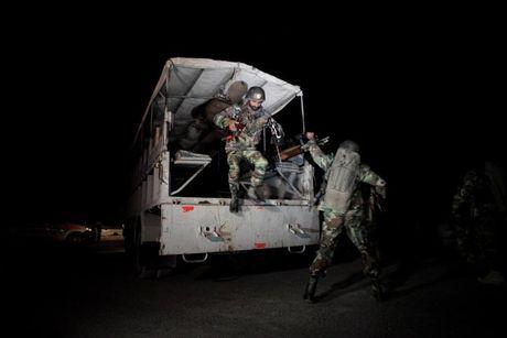 Khung bo tham hai khi doi dau dac nhiem tinh nhue Pakistan - Anh 2