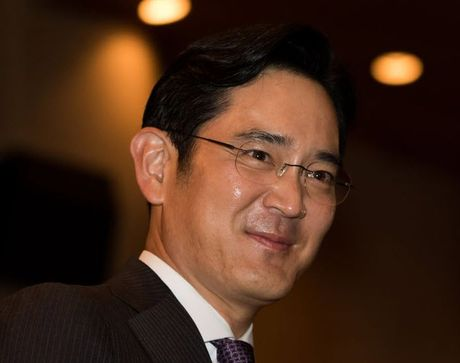 Hang co van khuyen khong bau 'thai tu Lee' vao vi tri cheo lai Samsung - Anh 1