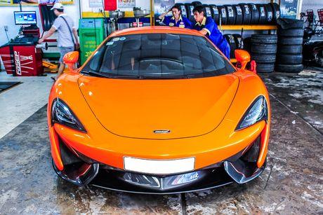 Sieu xe McLaren 570S mau cam nam tien - Anh 1