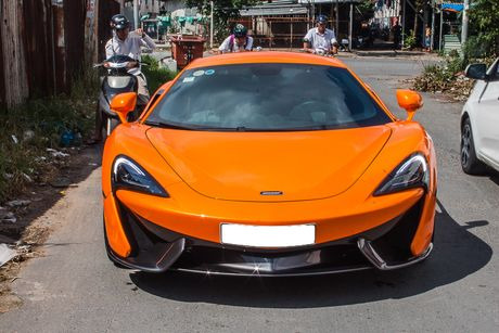 Sieu xe McLaren 570S mau cam nam tien - Anh 3