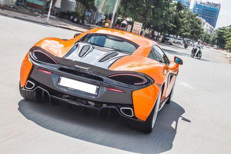 Sieu xe McLaren 570S mau cam nam tien - Anh 4