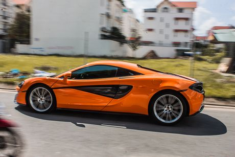 Sieu xe McLaren 570S mau cam nam tien - Anh 5