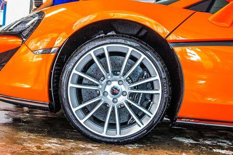 Sieu xe McLaren 570S mau cam nam tien - Anh 8