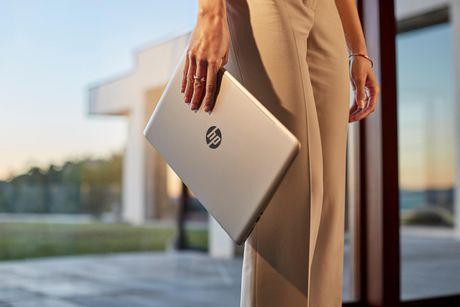 HP Envy: Laptop mong nhe khong chi de lam viec - Anh 1