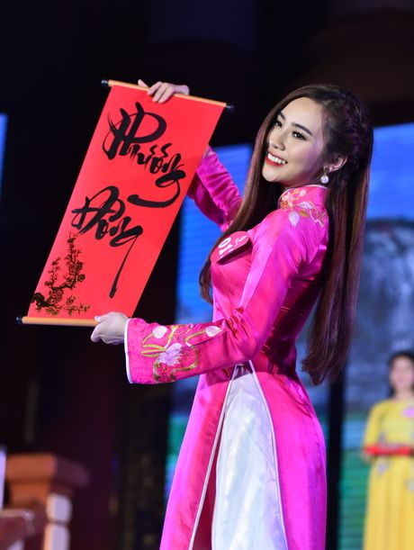 Dai hoc Phuong Dong tim ra cap sinh vien dep nhat truong - Anh 3