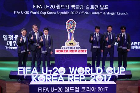 AFC tang VFF trai bong dua U19 Viet Nam du World Cup - Anh 1