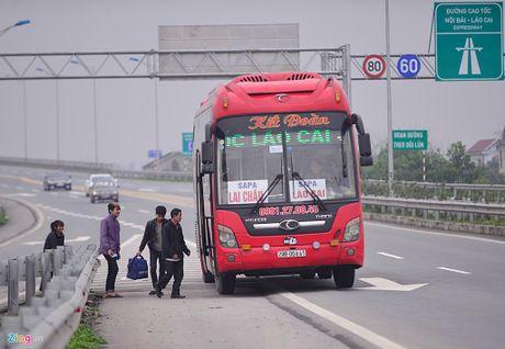 Phat nguoi vi pham tren cao toc Noi Bai - Lao Cai tu 3/11 - Anh 1