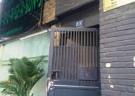 Truy tim chu nha hang 'quet the' chiem 700 trieu dong - Anh 1