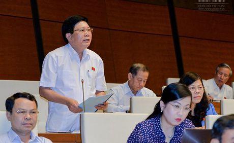 Bo truong Noi vu xin lui thong qua luat ve Hoi - Anh 2