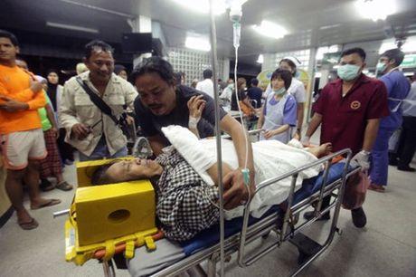 Lai no bom o mien nam Thai Lan gay thuong vong lon - Anh 1