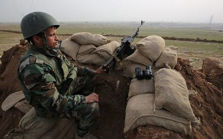 Quan doi Iraq vay chat Mosul, IS co the phai rut ve sa mac - Anh 1