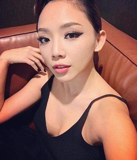 Khoe vong 1 'khung' khong noi y, kho co nguoi vuot duoc Toc Tien - Anh 6
