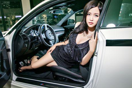 'Dung hinh' truoc ngoc nu sexy nhat lang xe hop - Anh 7