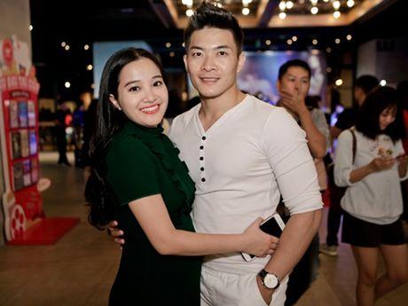 MC Hong Phuong: 'Toi khong muon va cham showbiz nhu Tran Thanh' - Anh 1