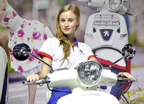 Nhung nu PG xinh dep tai trien lam o to Motoshow 2016 - Anh 22