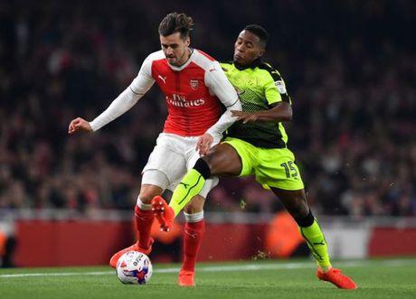 5 diem nhan sau tran Arsenal 2-0 Reading: Ac mong mang ten Phao thu - Anh 1