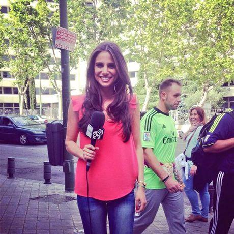 Lucia Villalon: Tu tinh tin don Ronaldo den vo sap cuoi cua Chicharito - Anh 1