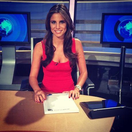 Lucia Villalon: Tu tinh tin don Ronaldo den vo sap cuoi cua Chicharito - Anh 2