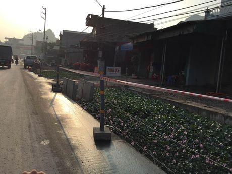 Xu ly trach nhiem vu UBND TP Cam Pha chi dinh thau sai luat - Anh 1