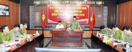 Thuong tuong Bui Van Nam kiem tra cong tac tai CATP Da Nang: Giu vung moi truong yen binh, on dinh cho thanh pho phat trien - Anh 1