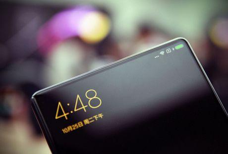 Smartphone Mi MIX co man hinh tran vien doc dao - Anh 2