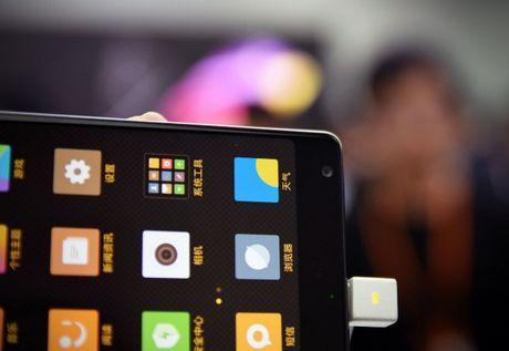 Smartphone Mi MIX co man hinh tran vien doc dao - Anh 4