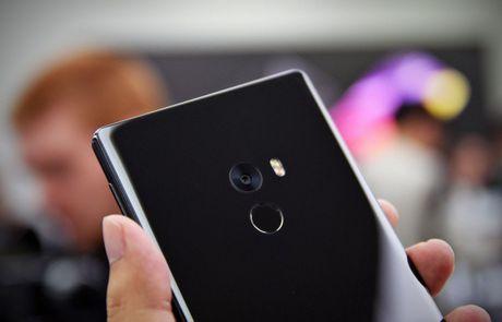 Smartphone Mi MIX co man hinh tran vien doc dao - Anh 8