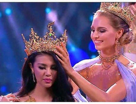 Hoa hau Hoa binh Quoc te 2016:Indonesia dang quang, Nguyen Thi Loan truot Top 10 - Anh 1