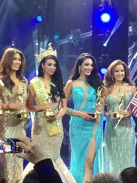 Hoa hau Hoa binh Quoc te 2016:Indonesia dang quang, Nguyen Thi Loan truot Top 10 - Anh 7