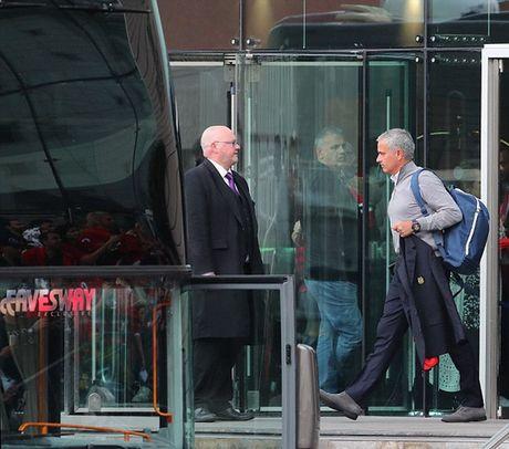Mourinho: Cuoc song o M.U co chut tham hoa - Anh 1