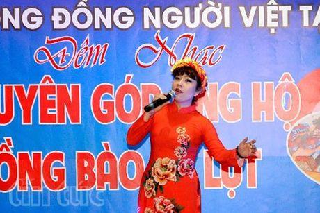 """Dem nhac tu thien """"Vi mien Trung than yeu"""" tai Duc - Anh 1"""