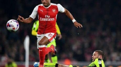 Da bai Reading, Arsenal gianh ve vao tu ket League Cup - Anh 1