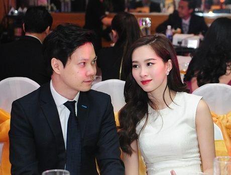 HH Dang Thu Thao lan dau dang anh cong khai nguoi yeu dai gia - Anh 4
