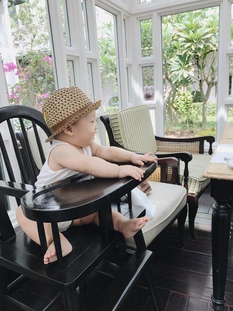 Cang lon, con trai Ly Kute cang giong Mac Hong Quan den ngo ngang - Anh 14