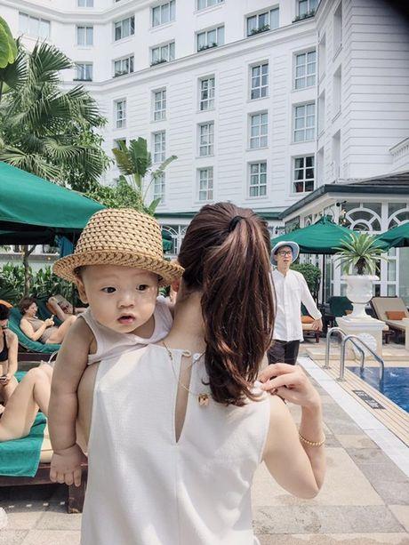 Cang lon, con trai Ly Kute cang giong Mac Hong Quan den ngo ngang - Anh 9