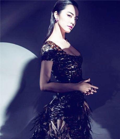 Ngam my nhan duoc menh danh la 'Angelina Jolie Hoa ngu' - Anh 11