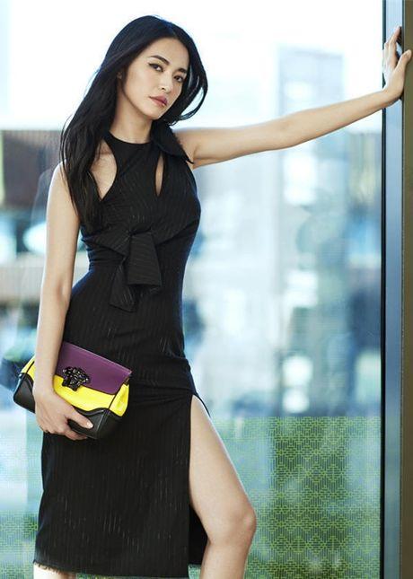Ngam my nhan duoc menh danh la 'Angelina Jolie Hoa ngu' - Anh 14