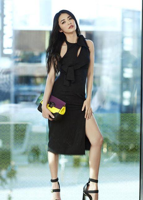 Ngam my nhan duoc menh danh la 'Angelina Jolie Hoa ngu' - Anh 15