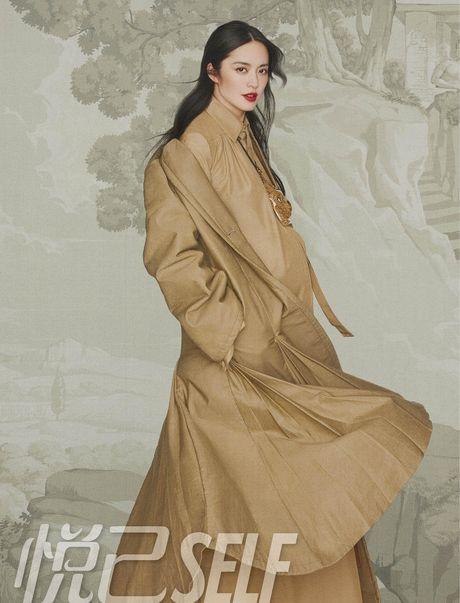Ngam my nhan duoc menh danh la 'Angelina Jolie Hoa ngu' - Anh 19