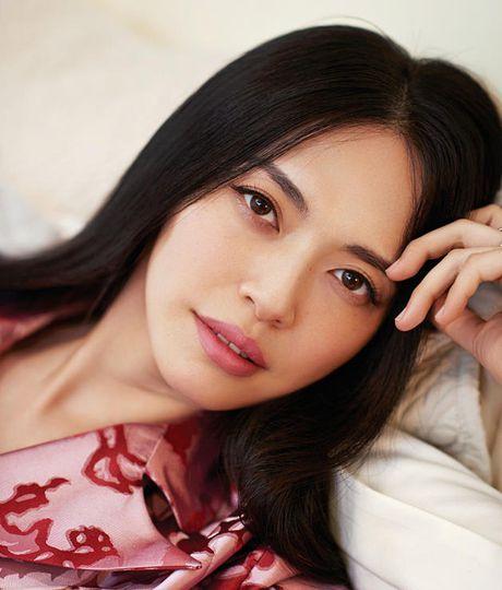 Ngam my nhan duoc menh danh la 'Angelina Jolie Hoa ngu' - Anh 24