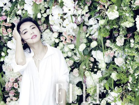 Ngam my nhan duoc menh danh la 'Angelina Jolie Hoa ngu' - Anh 27