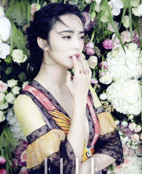 Ngam my nhan duoc menh danh la 'Angelina Jolie Hoa ngu' - Anh 29