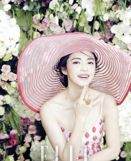 Ngam my nhan duoc menh danh la 'Angelina Jolie Hoa ngu' - Anh 30