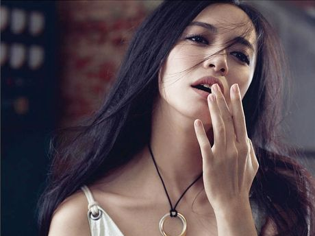 Ngam my nhan duoc menh danh la 'Angelina Jolie Hoa ngu' - Anh 5