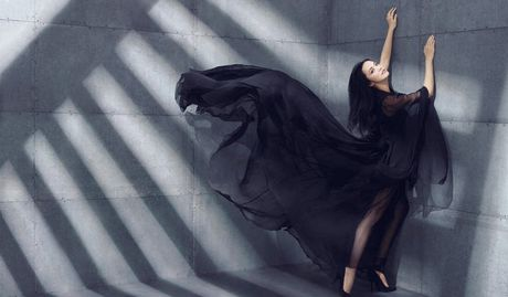 Ngam my nhan duoc menh danh la 'Angelina Jolie Hoa ngu' - Anh 9