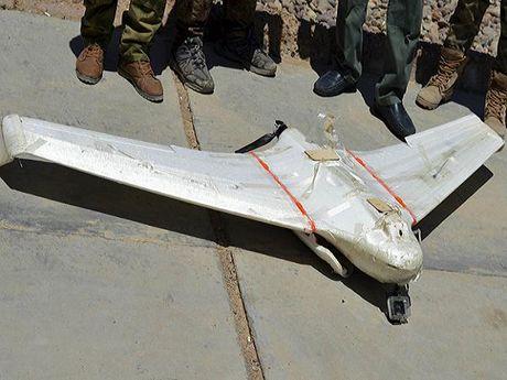 Khong quan My ban ha UAV cua IS bang vu khi dien tu - Anh 1