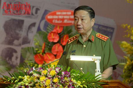 Bao CAND don nhan Huan chuong Bao ve To quoc hang Nhat - Anh 1