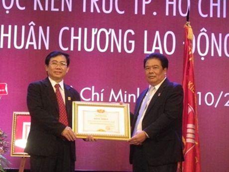 Dai hoc Kien truc TP HCM nhan Huan chuong Lao dong hang Nhat lan thu 2 - Anh 5