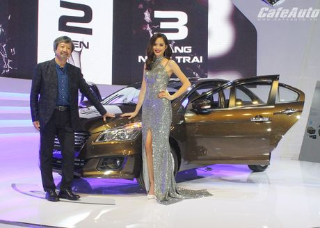 Suzuki Ciaz chinh thuc ra mat tai Viet Nam, gia tu 580 trieu dong - Anh 1